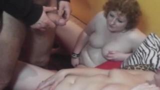 Giochi sexy di trio amatoriale
