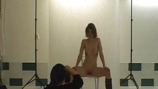 Servizio fotografico erotico a giovane mamma