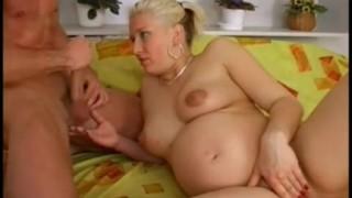 Pompino da una signora incinta